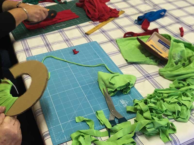 pompom-making